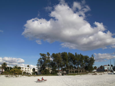 Bradenton Beach on Anna Maria Island offers wide swaths of sugary sand, an old Florida feel and less crowds than most tourist beaches. The Bradenton Beach Scenic Highway runs alongside this public beach. (Bradenton Beach Scenic Highway on Anna Maria Island is a waterfront highway corridor that offers nature, scenery, and pedestrian and bike-friendly paths. At 2.8 miles long, it offers panoramic views of the Gulf of Mexico and Sarasota Bay along Highway 789. It also includes access to Leffis Key, an island preserve with trails and plenty of wildlife and bird viewing.) (Bradenton Beach Scenic Highway) Photo made on 11/30/15 Photo by Lara Cerri