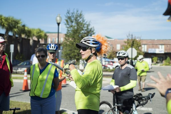 Linda Crider Leads Cyclist Tour